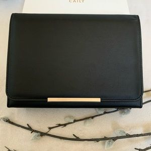 🖐🏼🥳 5/$25 Caily NIB Faux Leather Clutch  Bag